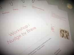 Nudging workshop. Nudging undervisning. Kom på nudgingkursus hos Brave. Se mere på www.nudging.nu. Nudging i produktion og industri. Løs ledelsesmæssige udfordringer med nudging. Nudge med Brave.